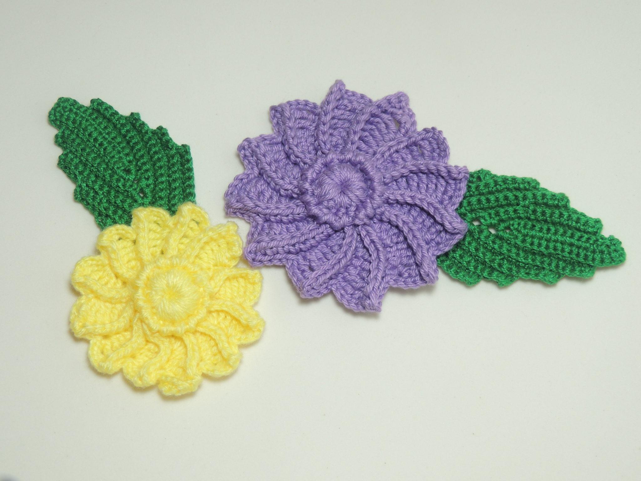 Flor de Crochê em Relevo