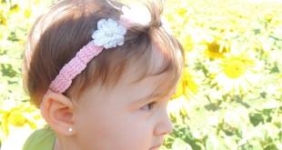 Tiara de Crochê com Florzinhas